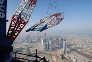 Burj_Dubai_high-altitude_cranes